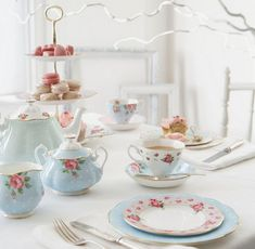 Pastel Blue Dinnerware Selections for Your Easter Table - #Easter, #EasterTableDecorating http://www.dotcomwomen.com/food/pastel-blue-dinnerware-selections-for-your-easter-table/22573/