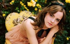 Emma Watson is so beautiful.... I still think of her as the 10 year old witch with huge frizzy hair :')