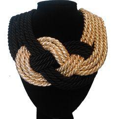Precioso maxi collar dorado y negro. Spectacular golden and black knots maxi necklace by Rocio Luna Complementos Pvp 25€