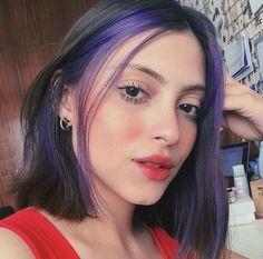Hair Color Streaks, Hair Color Purple, Hair Dye Colors, Hair Highlights, Two Color Hair, Colored Highlights, 90s Grunge Hair, Short Grunge Hair, Grunge Makeup