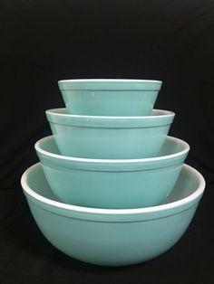 VINTAGE PYREX :: Set of 4 HTF Turquoise Mixing Bowls #401 #402 #403 #404  | eBay