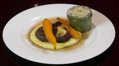 Sous-vide Beef, Creamed Spinach, Maple Roasted Carrots, Potato Purée, Beef Jus, Parsnip Crisps