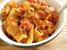 One pot turkey rigatoni - Drizzle Me Skinny!Drizzle Me Skinny! Points Plus Recipes, Ww Recipes, Low Calorie Recipes, Light Recipes, Turkey Recipes, Chicken Recipes, Dinner Recipes, Healthy Recipes, Healthy Meals