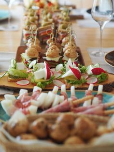 Rustikales, sommerliches Buffet