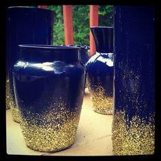 DIY vases :  wedding cheap diy glitter gold  reception spray paint vases