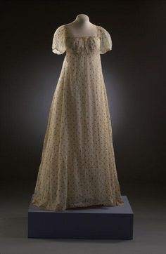 Couture Historique: Patterns of Fashion Regency Dress Old Dresses, Simple Dresses, Vintage Dresses, Beautiful Dresses, Vintage Outfits, 1800s Dresses, 1920s Dress, Vintage Hats, Vintage Clothing