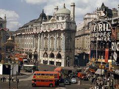 Photo: traffic around London's piccadilly circus