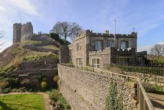Wall at Lewes Castle collapses Lewes Castle, Medieval World, Middle Ages, Castles, Mansions, House Styles, News, Wall, Chateaus