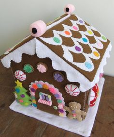 "felt gingerbread house | ""Merry Christmas"" Felt gingerbread … 