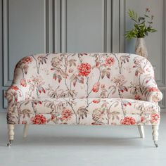 The Hazel Bedroom Love Seat by The Beautiful Bed Company is a real accent piece and will look perfect in a bedroom, dressing room or drawing room. Bedroom Seating, Bedroom Chair, Home Bedroom, Bed Company, Outdoor Dining Chair Cushions, Tufted Ottoman, Drawing Room, Sofa Furniture, Love Seat