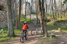 Cyklovýlet z Dobrej Vody na Mohylu M.R.Štefánika. Bicycle, Bike, Bicycle Kick, Bicycles