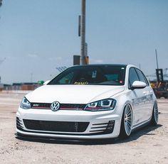 Golf Tips Wrist Hinge Vw Golf Wallpaper, R Wallpaper, Vw Golf Mk4, Volkswagen Golf R, Darth Vader Head, Vader Star Wars, Vw Racing, Gti Mk7, Amor