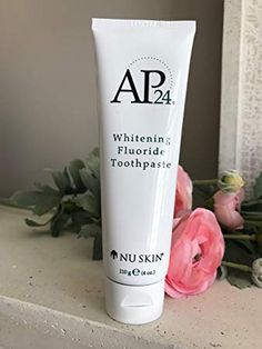 Nu Skin Nuskin Whitening fluoridfreie Zahnpasta New Formula Revi Best Whitening Toothpaste, Whitening Fluoride Toothpaste, Whitening Kit, Nu Skin, Ap 24, Best Coconut Oil, Stained Teeth, White Teeth, Teeth Cleaning