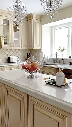 Kitchen Room Design, Kitchen Redo, Modern Kitchen Design, Home Decor Kitchen, Interior Design Kitchen, Kitchen Remodel, Kitchen Ideas, Classic Kitchen Cabinets, White Kitchen Cupboards