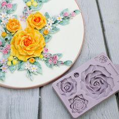 Karen Davies Moulds Edible Pearls, Edible Roses, Karen Davies Moulds, Cake Decorating Equipment, Swirl Cupcakes, Baby Mold, Fun Projects For Kids, Edible Printing, Sweet Box