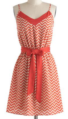 Pretty chevron patterned dress in coral http://rstyle.me/n/bg7mfnyg6