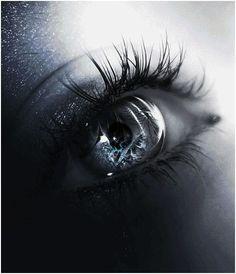 Quando meus olhos encontraram os teus nunca mais choraram. Só emocionam...  ...Sol Holme.. ☂✿༻༺✿* *✿༻✿༻