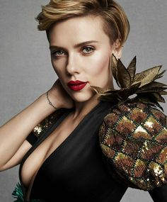 Scarlett Johansson Awesome Profile Pics http://ift.tt/2tyXW9L