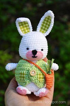 Easter Bunny - amigurumi crochet
