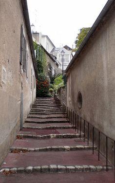 Châtel-Censoir, petit village à découvrir le long du Canal du Nivernais !