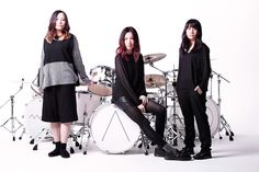 Meet Japanese Rock Three-Piece Tricot - And Watch Their Stylish New Video For 'E' http://nmem.ag/IkEEU