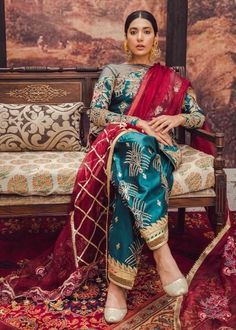 Bollywood fashion 247135098290081292 - Surraya – A – MNR Source by beshoovictory Punjabi Suits Party Wear, Pakistani Fashion Party Wear, Pakistani Bridal Dresses, Pakistani Dress Design, Pakistani Outfits, Bollywood Fashion, Indian Dresses, Indian Outfits, Indian Fashion