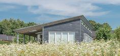 Le dynamisme de CUPACLAD® 101 RANDOM pour le bardage de cette maison danoise | #architecture #CUPACLAD #bardage #ardoise