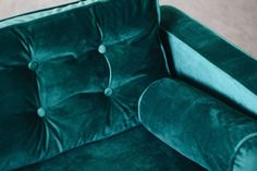 Custom green velvet slipcovers from Comfort Works as featured on Oh My Dear Blog. These simple IKEA Karlstad sofa and loveseat were hacked with a new velvet slipcover, replacement sofa legs and DIY tufted cushions for that premium look. https://comfort-works.com/en/