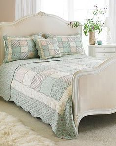 Shades of blue & cream patchwork comforter