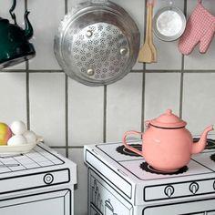 Boîtes de rangement en carton, visuel cuisine. Marque Villa Carton. A colorier ou à peindre.