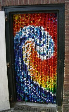 Recycling is beautiful bottle cap art beautiful bottle for Cool beer cap ideas
