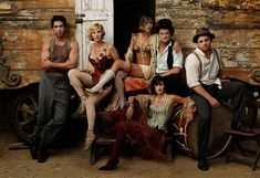 Annie Leibovitz photographs Friends cast for Vanity Fair 2003