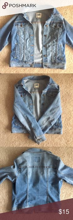Old Navy Medium-wash Denim Jacket Medium-wash women's jean jacket that's with casual tank tops, blouses, and dresses!   19 inches from the seam where the shoulder meets the arm to the bottom hem. Old Navy Jackets & Coats Jean Jackets