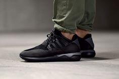 adidas-tubular-moc-runner-black