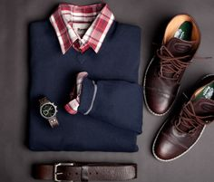 Good sweater, shirt, boots, belt, watch combo