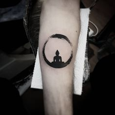 "784 Likes, 4 Comments - Berat Bumin (@beratbumin) on Instagram: ""#meditation #zen #circle le #buddha #blackworkers #black #work #tattoo #beratbumin #baykuşevi #art"""
