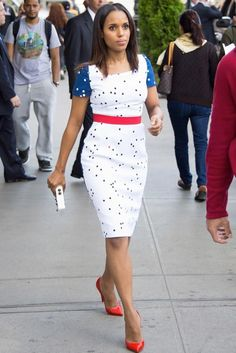 Kerry Washington is a guest at the Tonight Show in a Preen by Thornton Bregazzi mid dress