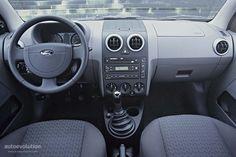 2003 Ford Fusion Alias of interior details