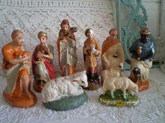 Brocante kerststal beeldjes van gips .