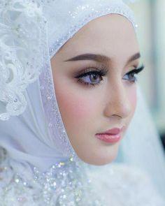 Image may contain: 1 person, closeup Cute Girl Photo, Beautiful Girl Photo, Beautiful Girl Indian, Cute Beauty, Beauty Full Girl, Beauty Women, Beauty Style, Beautiful Muslim Women, Beautiful Hijab