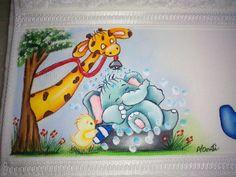 Toalha de Banho com pintura personalizada a sua escolha.  Acabamento Bordado Inglês ou Bico em Crochê.  A cor da toalha fica a critério do Cliente.