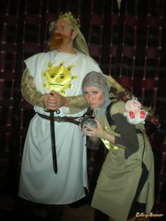 King Arthur and His Trusty Servant Patsy - Monty Python and The Holy Grail If you're going to do a couple's costume, do it right. Whimsical Halloween, Monty Python, College Humor, King Arthur, Halloween Costumes, Couples, Holidays, West Coast, Costume Ideas