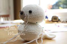Amigurumi Little Seal Free Pattern – Amigurumi Crochet Crochet Bat, Crochet Panda, Crochet Amigurumi Free Patterns, Crochet Animals, Crochet Toys, Free Crochet, Lovey Blanket, Yarn Tail, Single Crochet Stitch