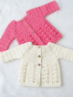 Crochet Baby Girl Textured Crochet Baby Sweater Pattern - Crochet Dreamz - This crochet baby sweater includes 6 sizes from baby to Toddler. The pattern has an easy to work Raglan shaping and a textured body with floral stitches. Crochet Baby Sweater Pattern, Crochet Baby Sweaters, Crochet Baby Blanket Beginner, Baby Sweater Patterns, Crochet Baby Clothes, Baby Patterns, Crochet Patterns, Crochet Toddler Sweater, Crochet Baby Dresses