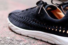 Nike Mayfly Woven: black