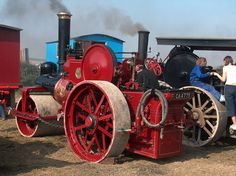 Vintage Tractors, Old Tractors, Steam Tractor, Steamers, Steam Engine, Stirling, Old Trucks, Antique Cars, Classic Cars