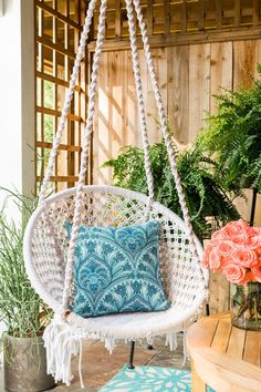 Boho-Chic Covered Porch It's no surprise that boho-chic style is a popular trend right now, with its laid-back yet well-traveled vibe. Here are some easy and unexpected ways to incorporate this casual, comfortable look into any outdoor space.