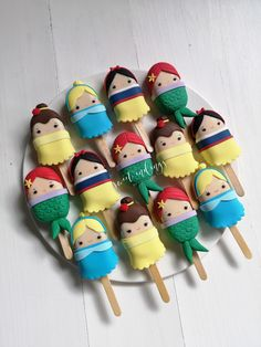Disney Princess Cakesicles by - Disney Desserts, Cute Desserts, Disney Cakes, Disney Disney, No Bake Cake Pops, Cake Push Pops, Little Disney Princess, Disney Princess Party, Cookie Pops
