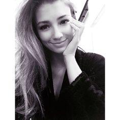 Lorena R