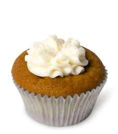 Pumpkin Cheesecake – Our signature pumpkin cupcake with cheesecake baked into the center, then topped with a dollop of cream cheese frosting and edible gold glitter. A gilded delight.